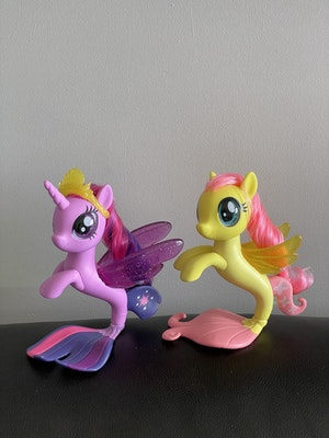 Twilight Sparkle and Fluttershy Seapony Figures