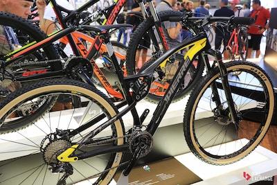 Lapierre 2017: Neue Overvolt E-Bikes, überarbeitetes Race-Fully und mehr Rennräder