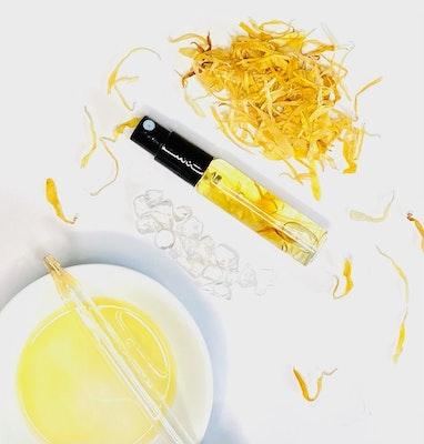SOUL Self Care  Happiness Blend with Clear Quartz + Calendula Petals Purse Spray 2021