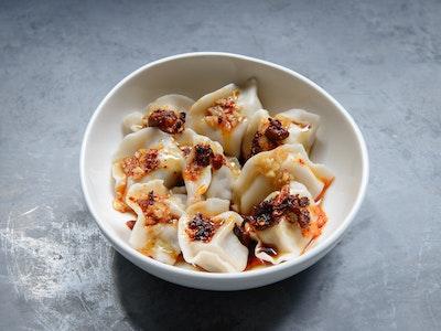 Szechuan pork dumplings, sweet soy & chilli sauce (8 pieces)