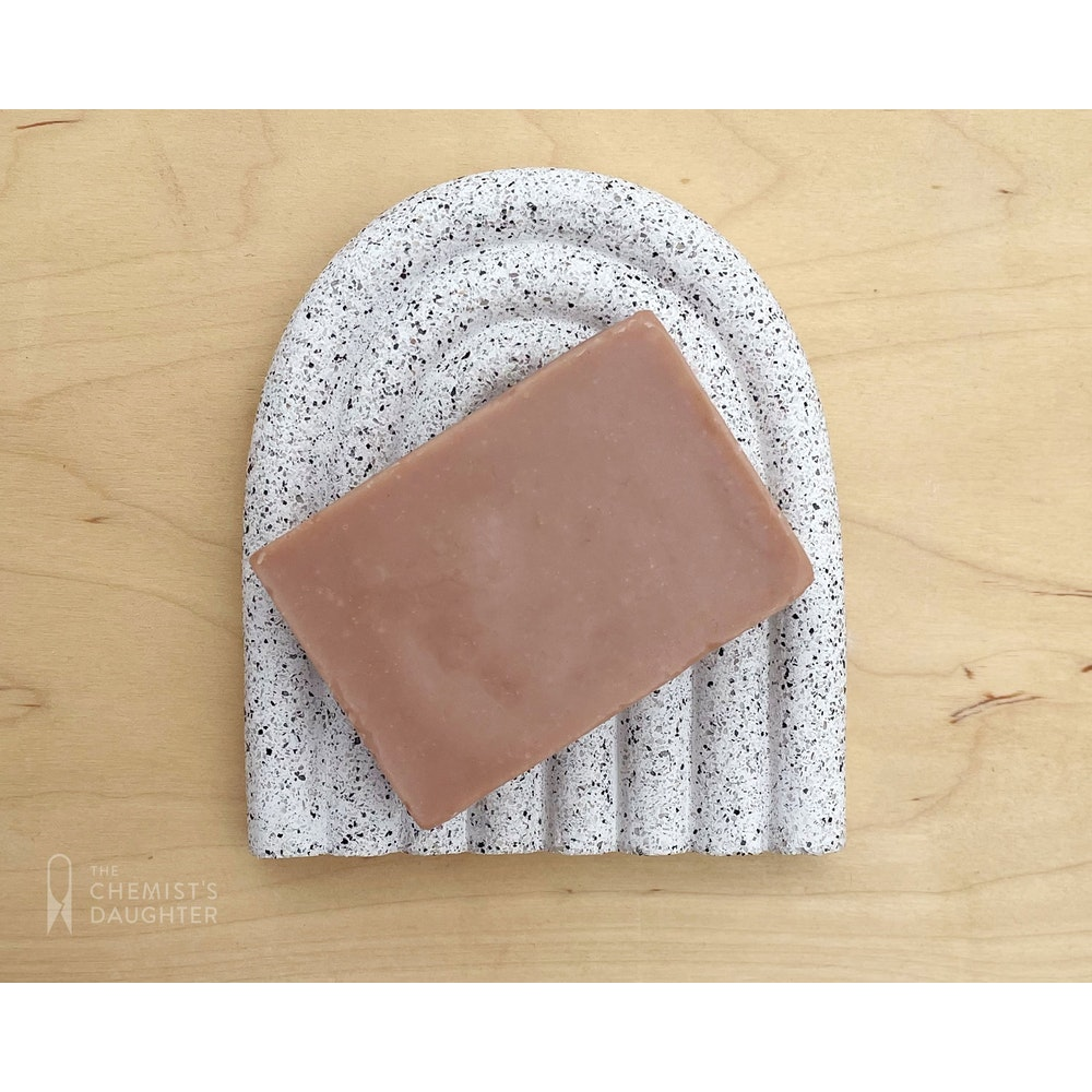 The Chemists Daughter Arc Soap Dish - Speckle Large