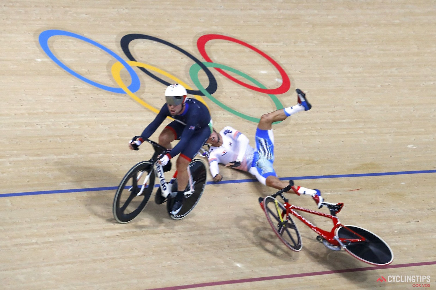Mixed reactions as Cavendish causes Olympic omnium crash