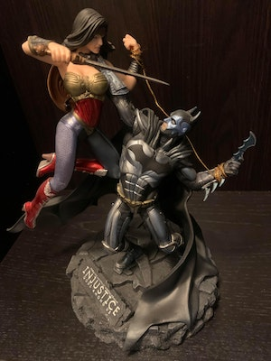 Injustice Gods Among Us - Collectors Edition Statue