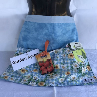 Two Olde Crows Garden Apron