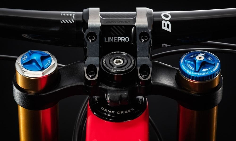 fullpage Trek 2018 Session 27 5 9 9 cane creek head set detail
