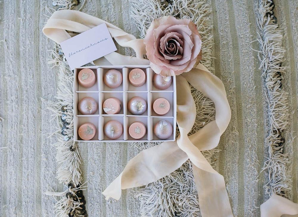 LENZO Florence Knows Chocolates Blush