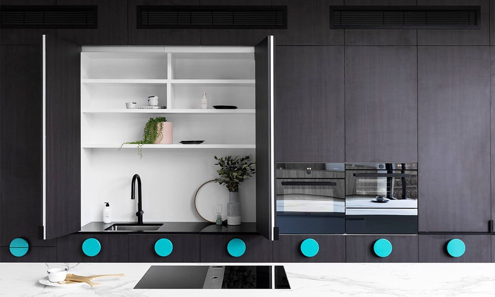 kitchen-trends-2018_2-tone-cabinetry-jpg