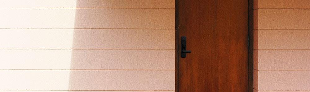 igloohome-smart-mortice-lock-on_front_wooden-door-jpg