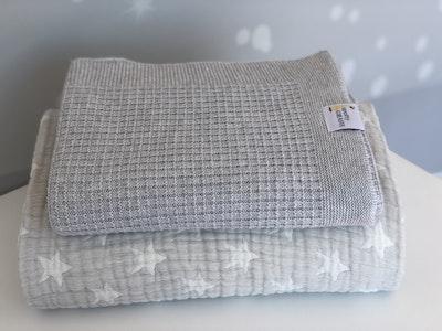 Spotty Giraffe Zida Silk/Linen/Cotton Pram/Bassinet Blanket
