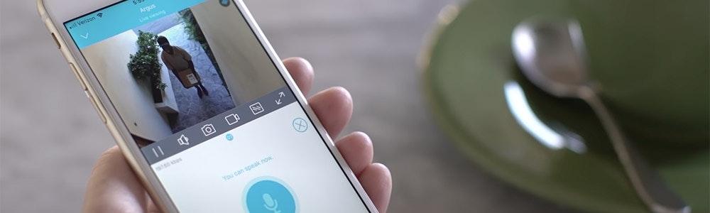 reolink-app-on-smartphone-jpg
