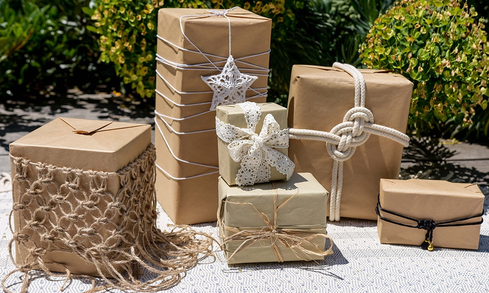 D.I.Y Macrame Gift Ribbons - Square Knot Net