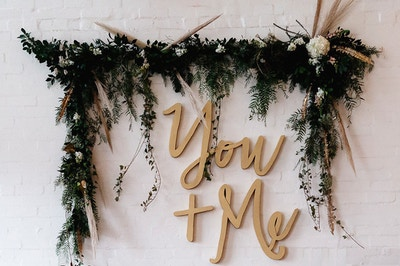 ENGAGEMENT PARTY MUST HAVES