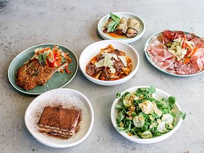 Tipico Cena in famiglia (family feast serve 4)