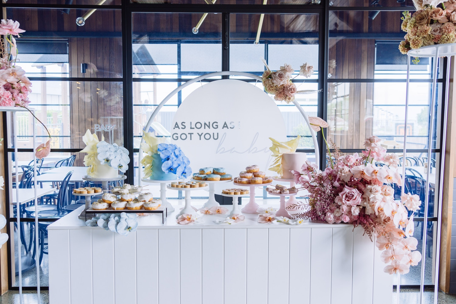BABY CRIVELLI: A MUTED BABY SHOWER