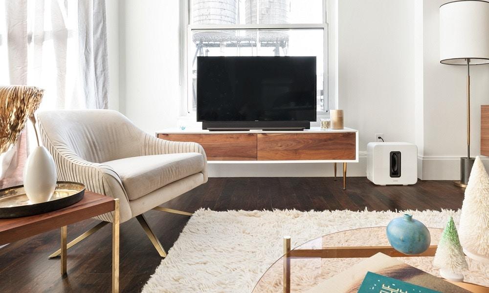 Declutter Your Living Room in 4 Steps