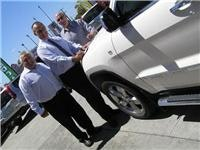 (L to R) Dean  Giakoumakis Brad Fitzsimmons and Alan Hislop  Bayside Jeep Frankston