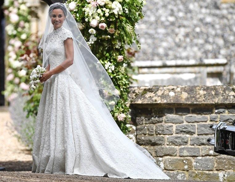 ACHIEVE PIPPA'S WEDDING DAY LOOK THROUGH LENZO