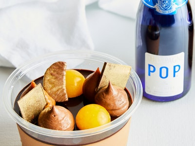 Chocolate, Mandarin & Salted Caramel Party Pot With Bubbles Gift Box - serves 2