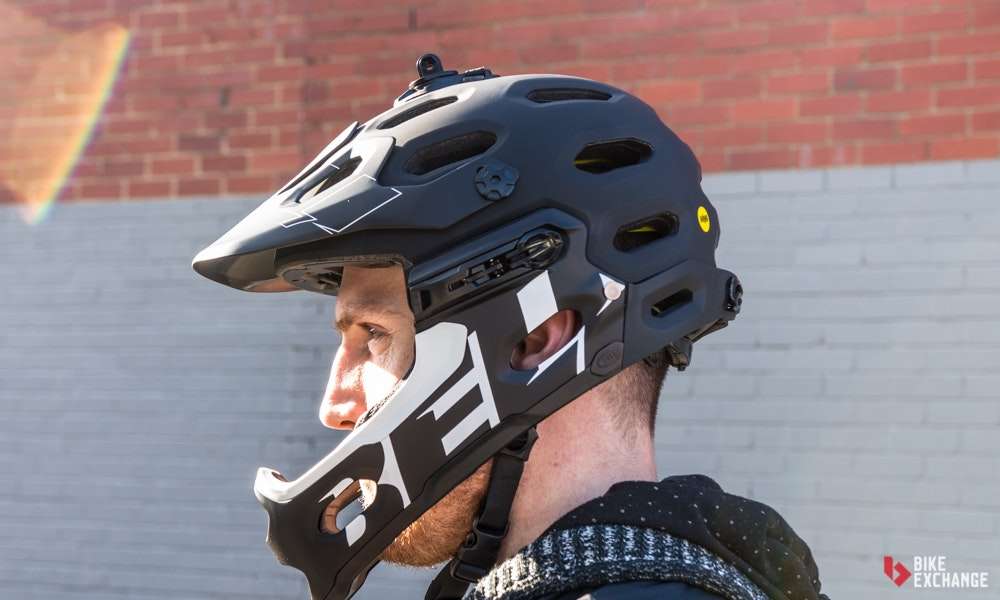mountain-bike-accessories-guide-helmets-jpg