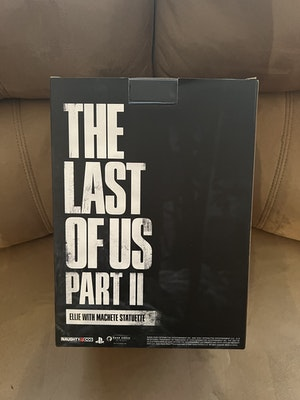 Dark Horse The Last Of Us Part 2 Ellie With Machete Figurine