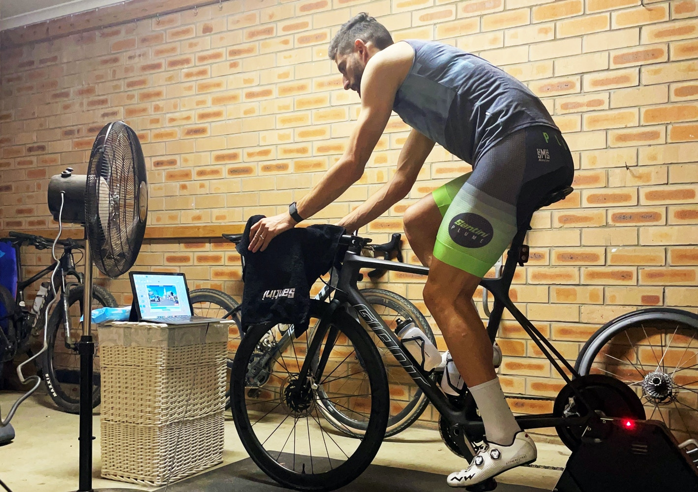 Santini - Indoor Cycling Clothing - Santini Indoor Collection Review, Improving Indoor Cycling