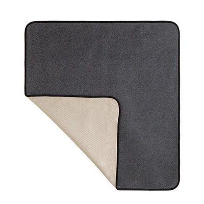 Dry Paws Oversized Re-Useable Dog Accident-Proof Furniture Throw