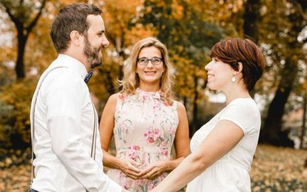 Hochzeitsdienstleister: Freie Trauredner bei einer freien Trauung