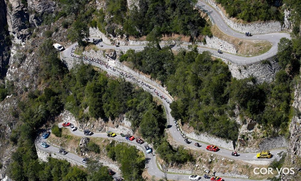 Los Corredores Caen como Pájaros: Etapa 12 del Tour de Francia 2018