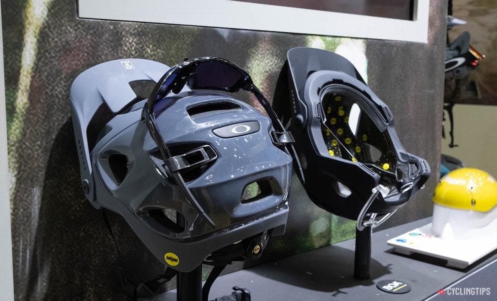 oakley-drt-5-mtb-helmet-2-jpg