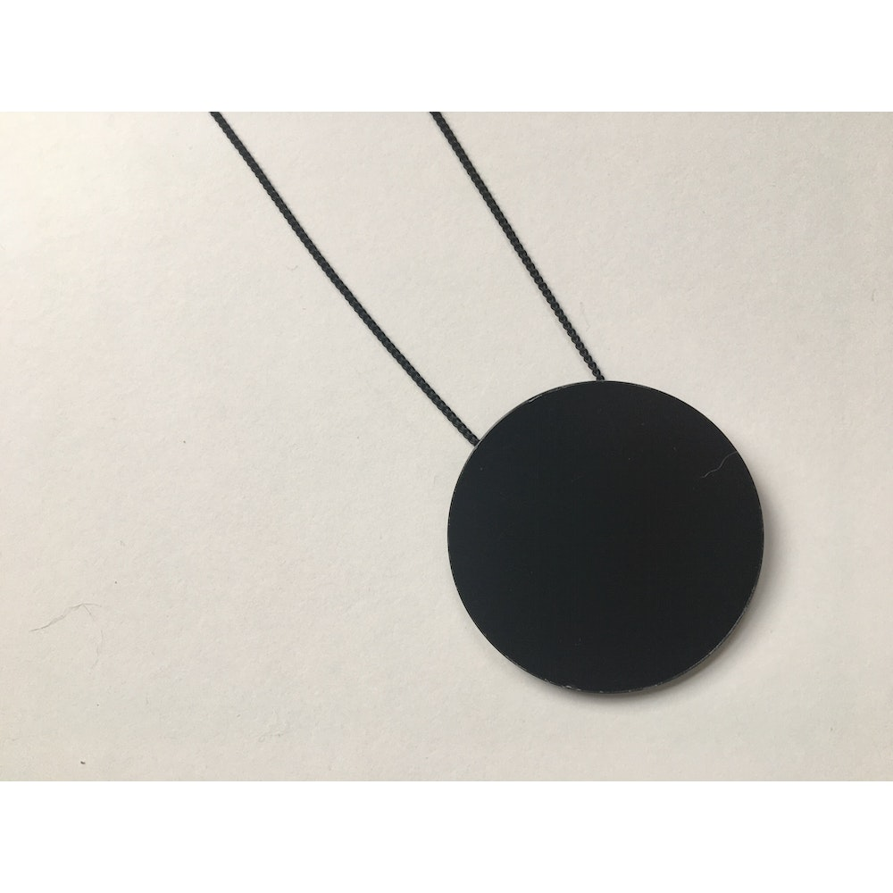 One of a Kind Club Simple Circle Resin Necklace