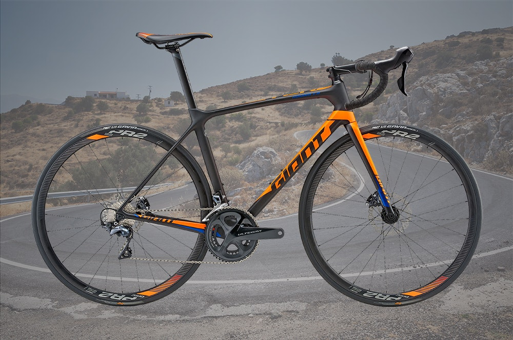 best-mid-range-traditional-road-bikes-under-3500-giant-tcr-advanced-disc-1-jpg
